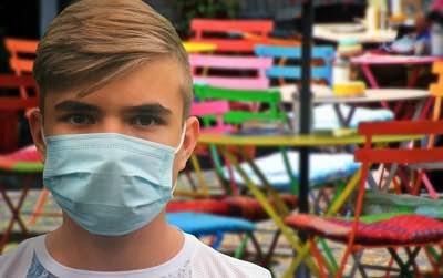Corona: Maskenpflicht erleichtert Jugendlichen Alkoholkauf