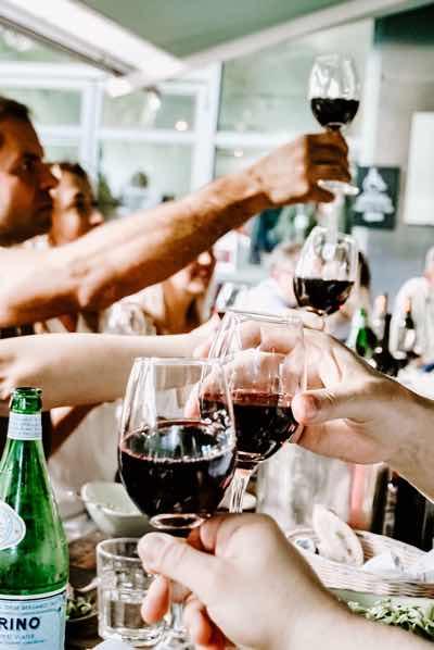 Frisch trocken – Freunde und Partner trinken weiter. Wie geht Ihr damit um?